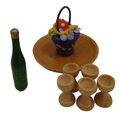Wijn serviesjes op rond dienbladje